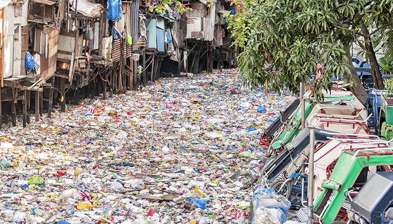 Ekologija, nauka za budućnost - Page 2 Plastic-waste-river