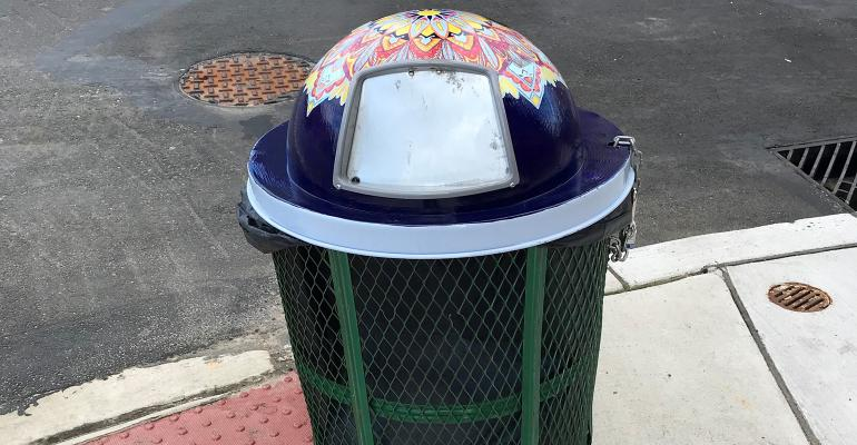 philly trash can