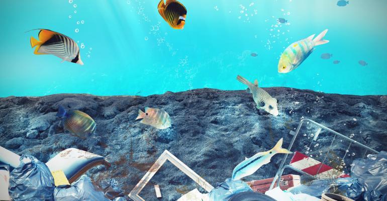 pollution-under water
