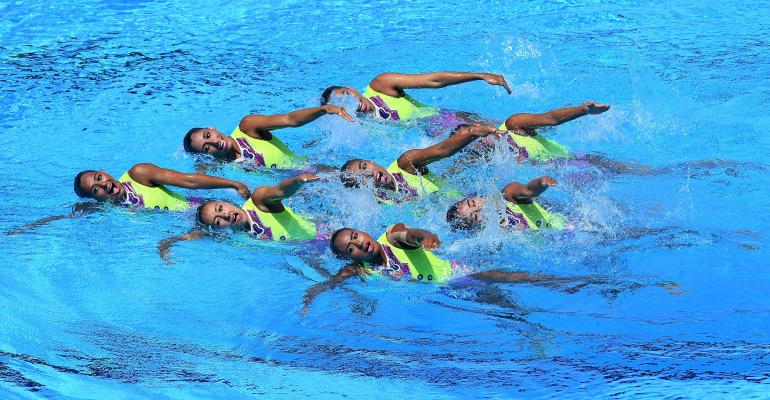 swimming synchronized