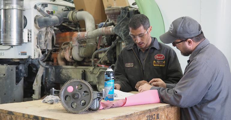 technician-fleetowner.jpg