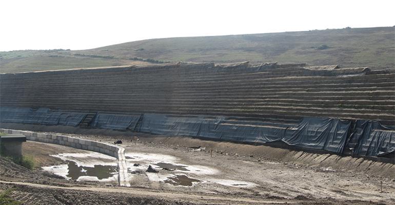 vertical landfill wall
